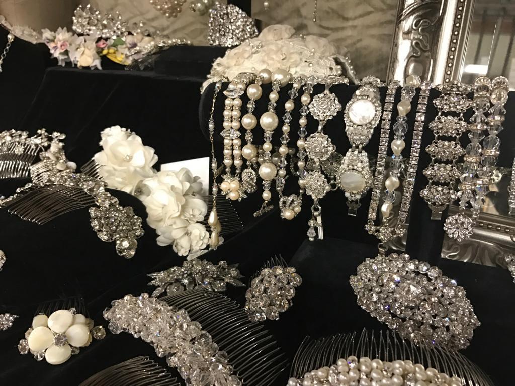 Erica koesler wedding accessories warehouse sale los angeles march erica koesler wedding accessories warehouse sale junglespirit Image collections
