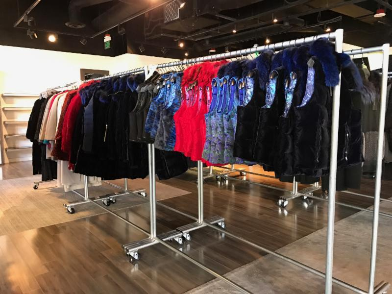 elie tahari a long established designer known for his fine tailoring and classic designs is hosting a sample sale at 260 sample sale la 265 n beverly - Bcbg Sample Sale