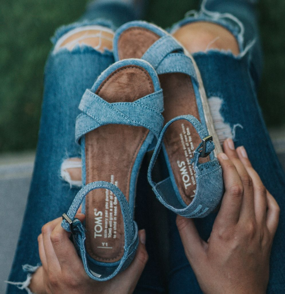 f9150a18208 TOMS Chino Warehouse Sale
