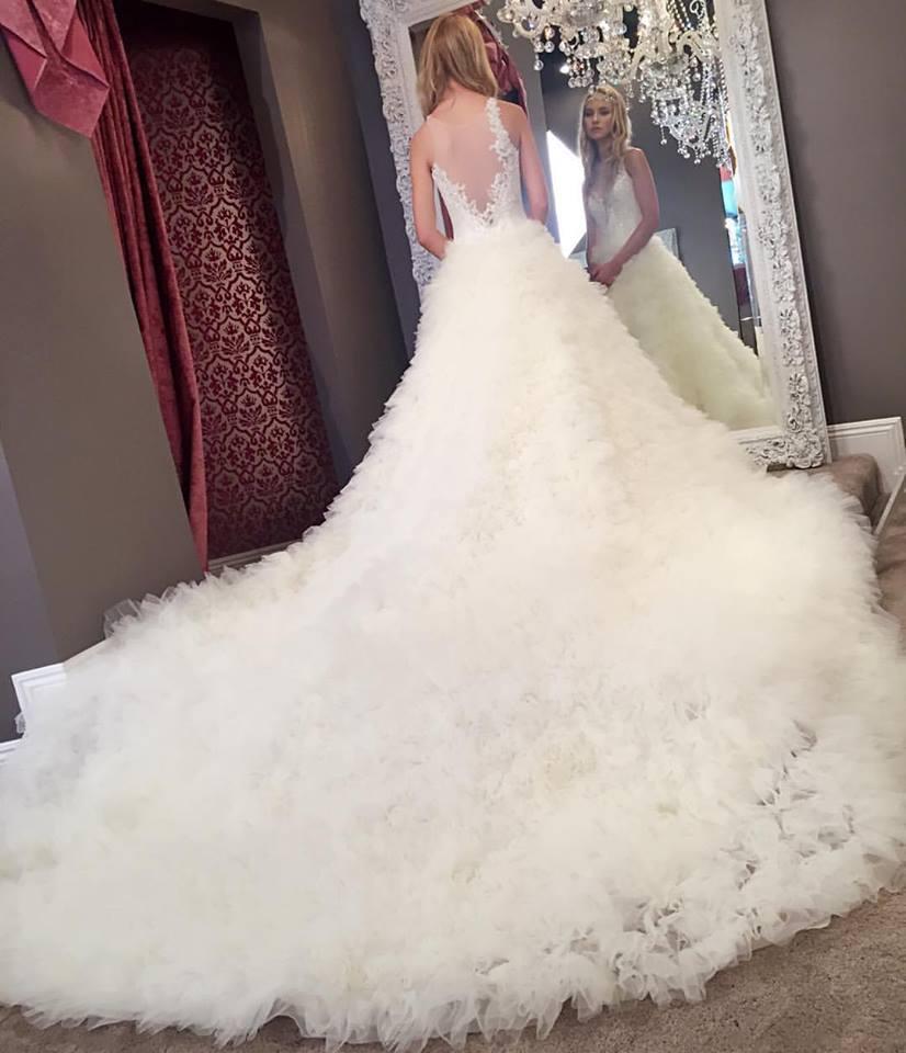Winnie Couture Bridal Sample Sale Los Angeles April 2016