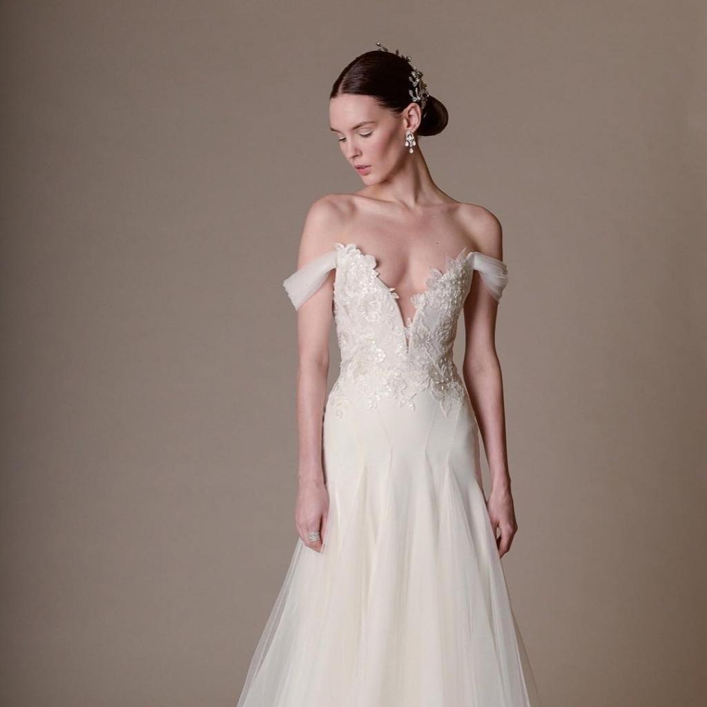 Jin wang bridal sample sale san francisco april 2017 for Wedding dress sample sale san francisco